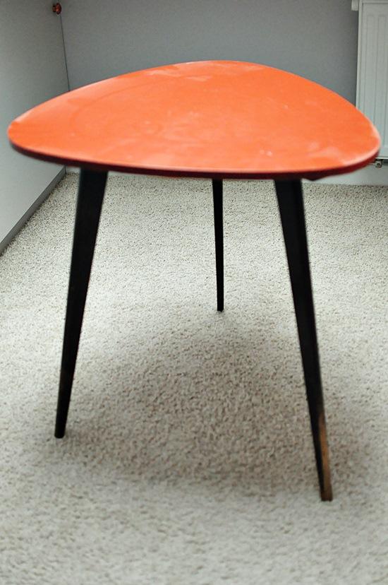 stolik-prl-trojnog