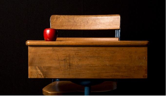 Jak Odnowic Stare Meble Drewniane Lub Pokryte Okleina